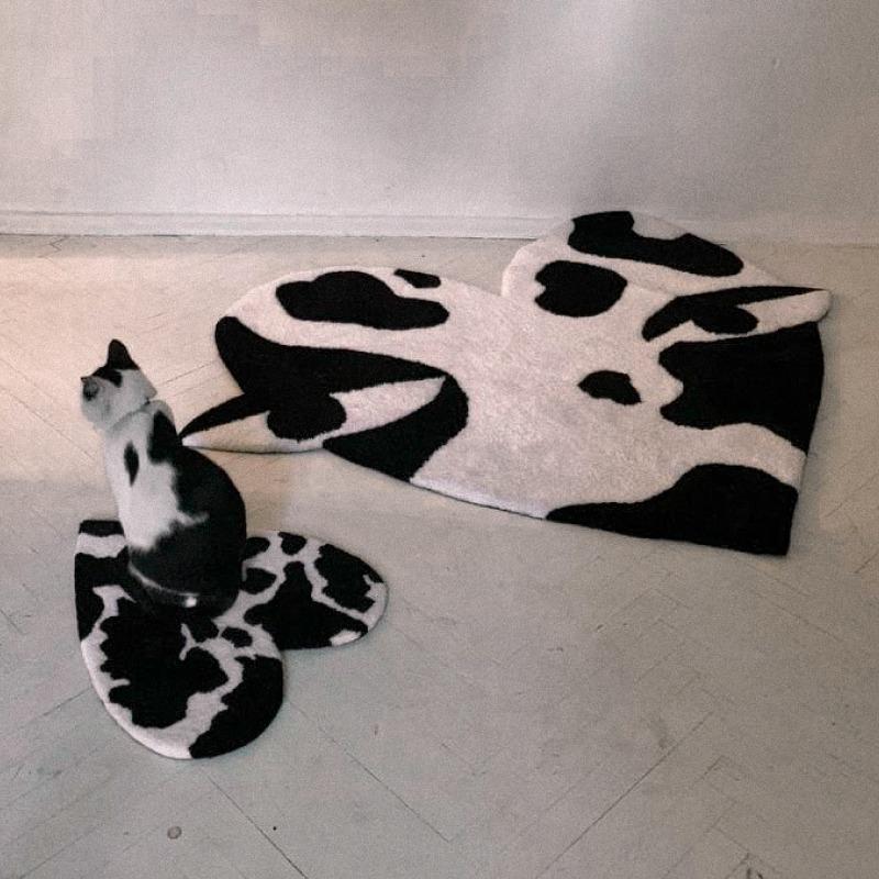 Килим із колекції M1R x Minikoshka, що присвячена потребам тварин у притулках — Новини на Wonderzine