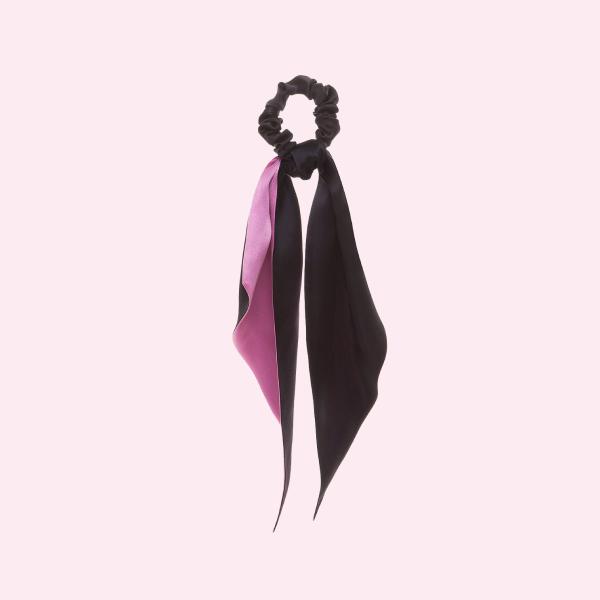 Благодійна резинка-скранчі від LESSLESS на підтримку боротьби з раком грудей
