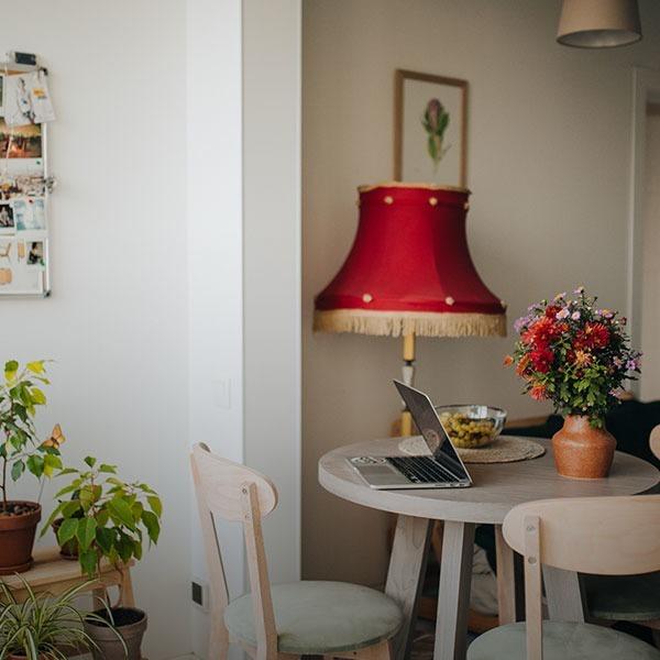 «Дім – це мій офіс». Фотографка Кріс Кулаковська та її зелена кухня   — Власний простір на Wonderzine