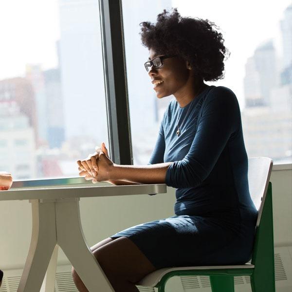 Дослідження: на співбесіді жінок оцінюють за більшою кількістю критеріїв, ніж чоловіків — Кар'єра на Wonderzine