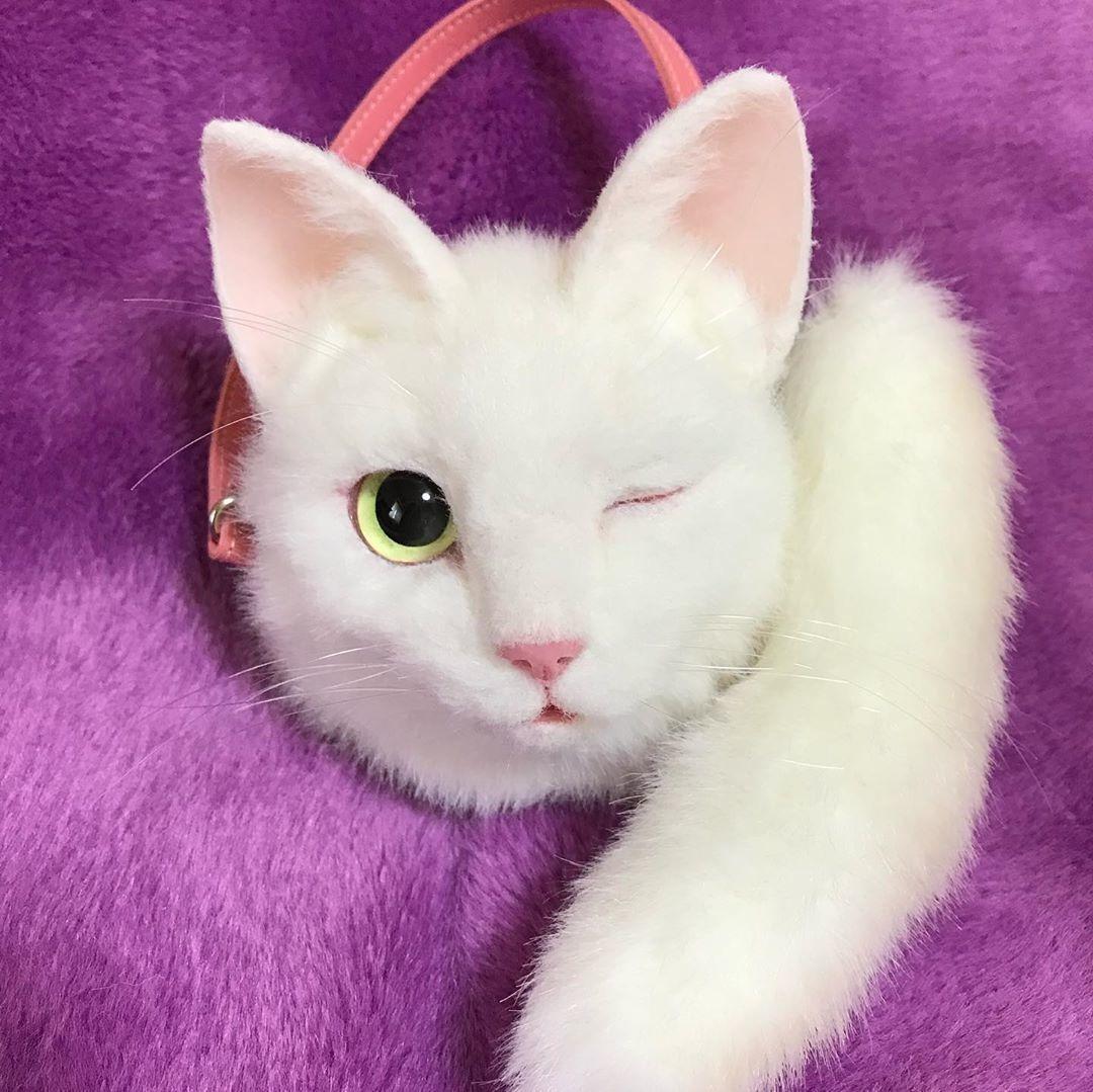 На кого підписатися: Instagram японки, яка шиє реалістичні сумки у вигляді котів  — Стиль на Wonderzine