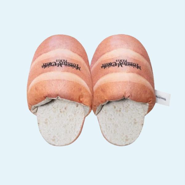 Капці у вигляді батона з колаборації Томмі Кеша та Maison Margiela