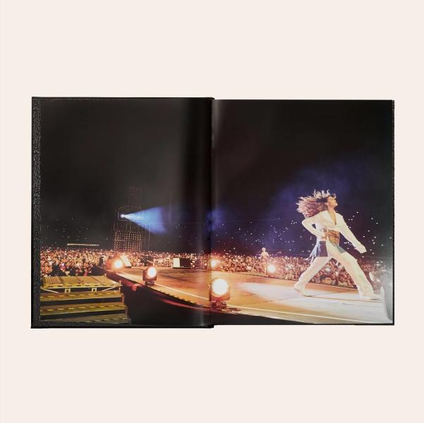 Фотокнига архівних світлин Ріанни The Rihanna Book: Queen Size — Вішлист на Wonderzine