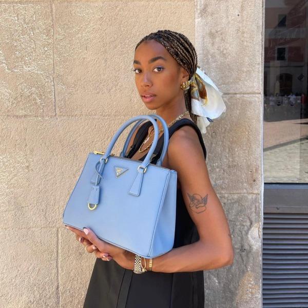 Нульові, хустки та кільця: як блогерки інтерпретують тренд на прикраси для волосся   — Стиль на Wonderzine