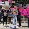 #FreeBritney: фанати Брітні Спірс протестують під судом Лос-Анжелеса проти опікунства над співачкою
