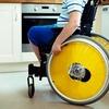 В Україні запустили програму, яка допомагає людям з інвалідністю швидко викликати екстрені служби