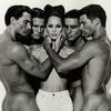 Дивіться архівні знімки Valentino з Одрі Хепберн і Біллі Айліш