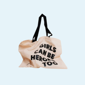 Шопер із феміністичним слоганом GIRLS CAN BE HEROES TOO від Oh My Look!