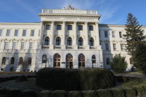 «Ми їх повинні лікувати». Викладачка львівського ВНЗ висловилася проти ЛГБТ