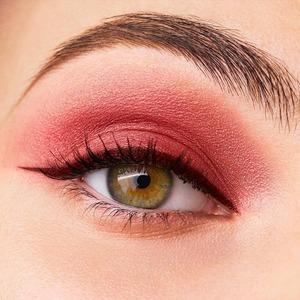 Бордо та мерло. Як зробити макіяж очей у винних відтінках