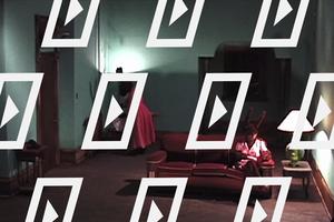 Відео дня. Короткометражка Лінча про повсякдення людей, переодягнених у кроликів