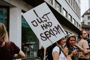 У Верховній Раді пропонують увести адміністративну відповідальність за сексизм