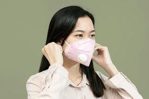 Діти можуть розпізнати емоції дорослих навіть через захисну маску – дослідження