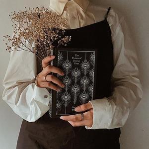 Осіння естетика Dark Academia: що носити, читати та дивитися