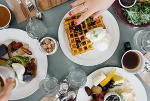 Регулярне вживання їжі, приготовленої поза домом, підвищує ризик смерті – дослідження