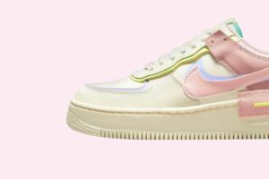 Nike випустив нову модель Air Force із пурпурово-рожевим дизайном