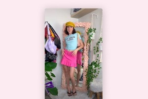 Денім і рожеві спортивні костюми: тік-токери уявляють себе зірками нульових у новому тренді