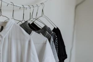 Брати одяг в оренду гірше для довкілля, ніж викидати його – дослідження