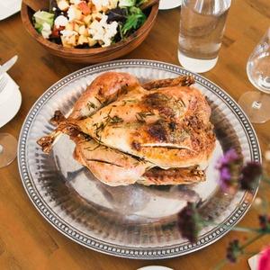 Не тільки олів'є. 4 рецепти страв на святковий стіл від нутриціологині