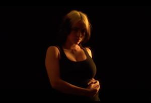 Дивіться короткий фільм Біллі Айліш про надмірну увагу до її тіла