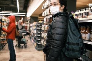 Як зберігати дистанцію в гіпермаркеті? У METRO зняли відео з гостями про безпеку під час карантину